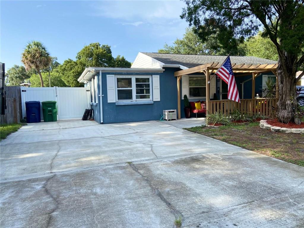 4411 W LAWN AVENUE Property Photo - TAMPA, FL real estate listing