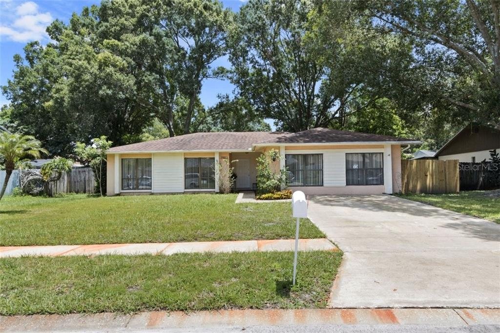 15812 HOUND HORN LN Property Photo - TAMPA, FL real estate listing