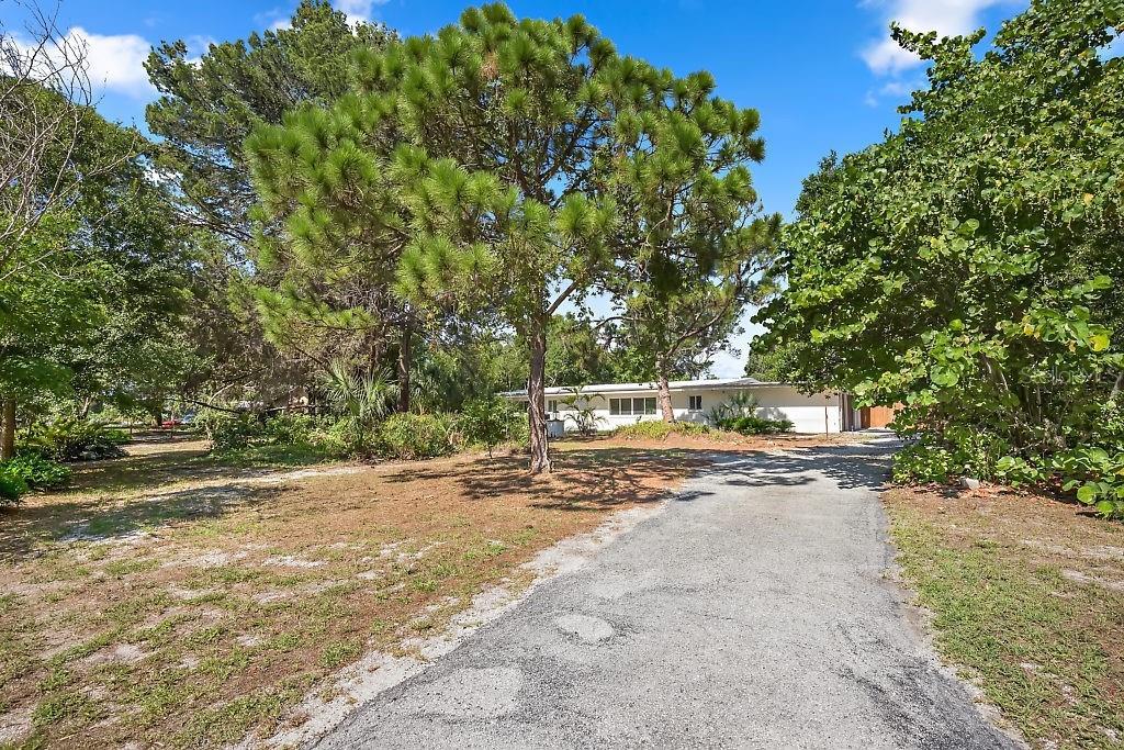 1826 JUAREZ WAY S Property Photo - ST PETERSBURG, FL real estate listing