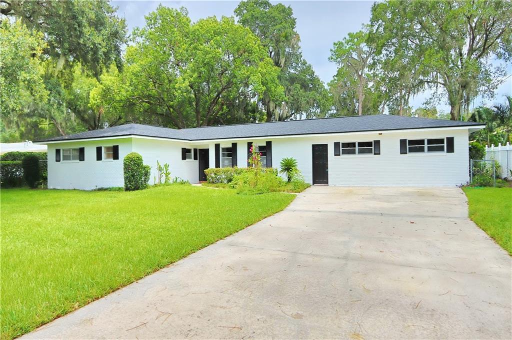 1604 S WOODSIDE DR Property Photo - PLANT CITY, FL real estate listing