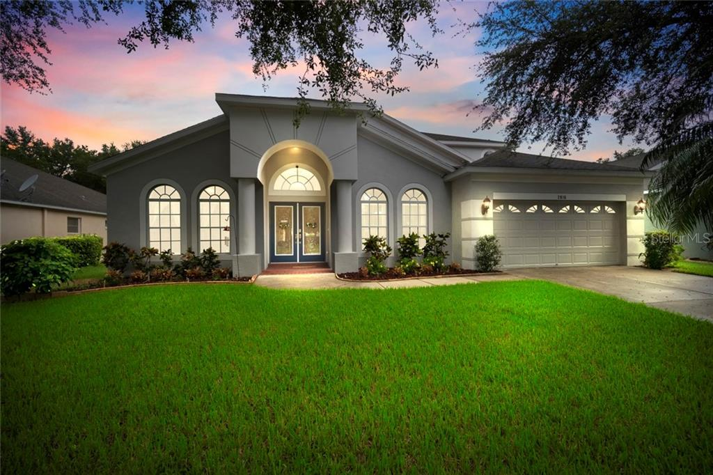 2816 WINDCREST OAKS COURT Property Photo - VALRICO, FL real estate listing