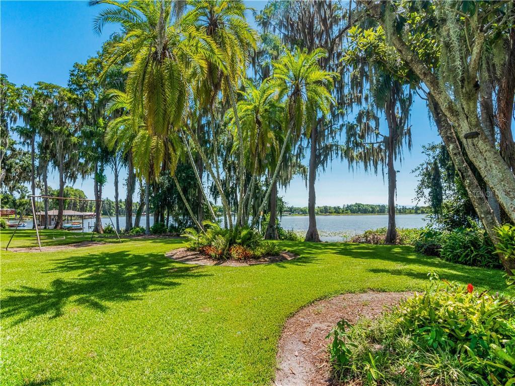 1006 LAKE COOPER DRIVE Property Photo - LUTZ, FL real estate listing