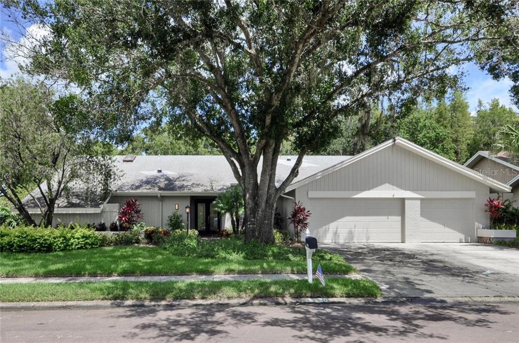 13720 WALBROOKE DRIVE Property Photo - TAMPA, FL real estate listing