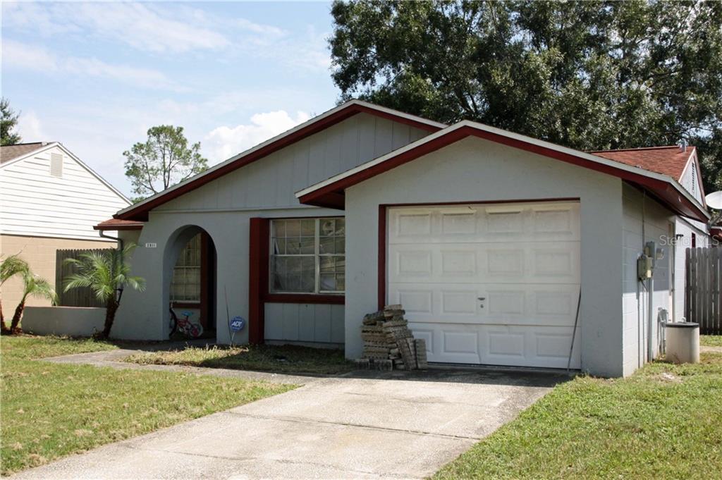 2911 CEDARIDGE DRIVE Property Photo - TAMPA, FL real estate listing