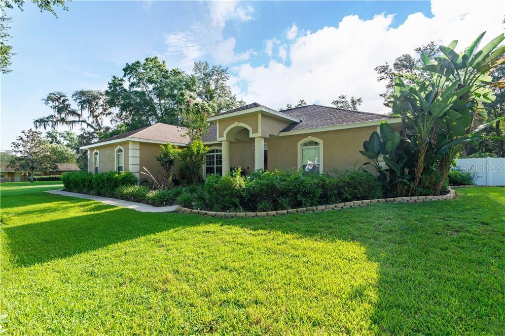 12436 OAK STREET Property Photo - SAN ANTONIO, FL real estate listing