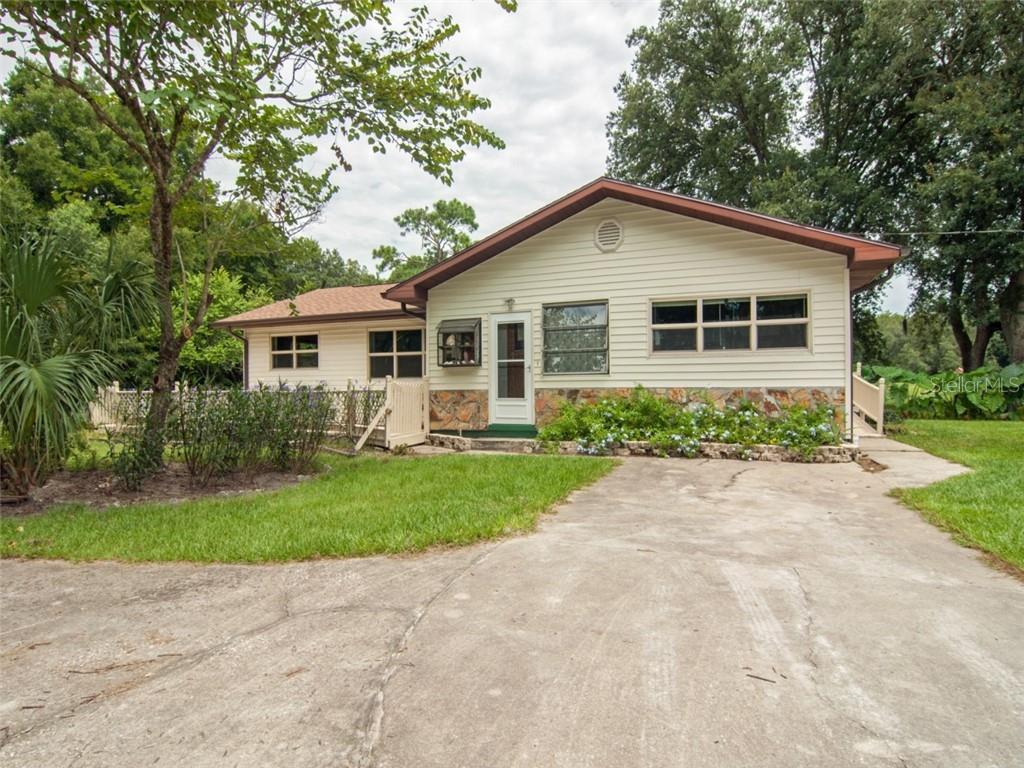 5422 W Cr 476 Property Photo