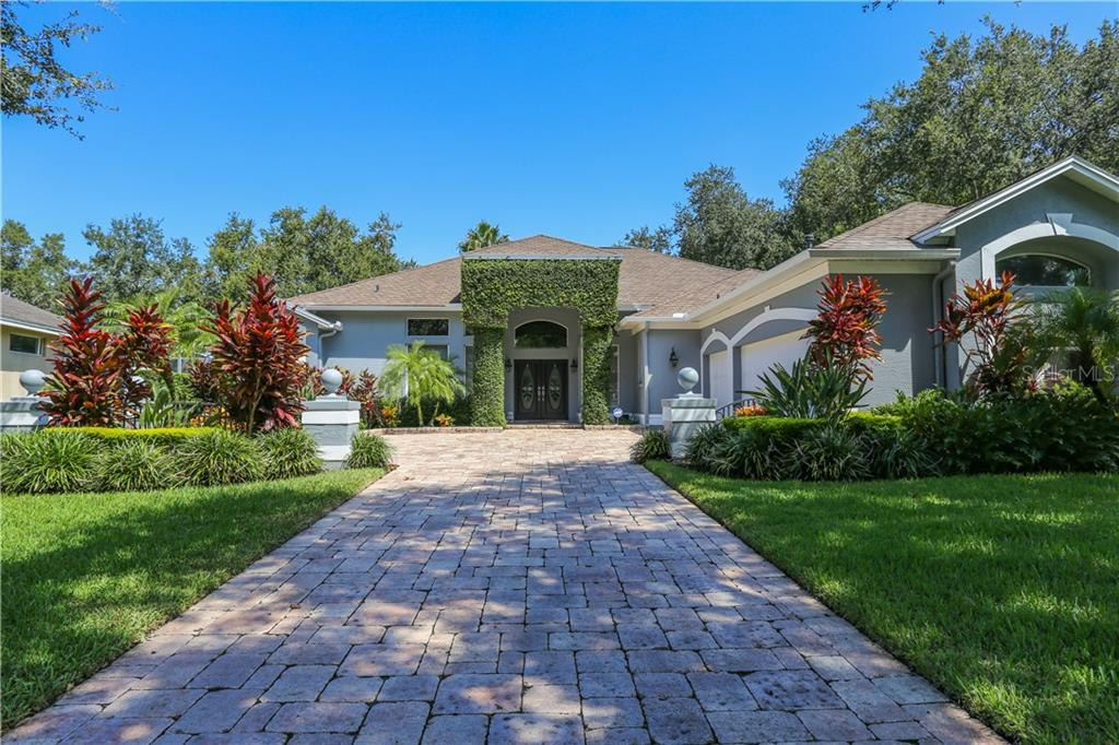 2117 BOOT LAKE CIRCLE Property Photo - TAMPA, FL real estate listing