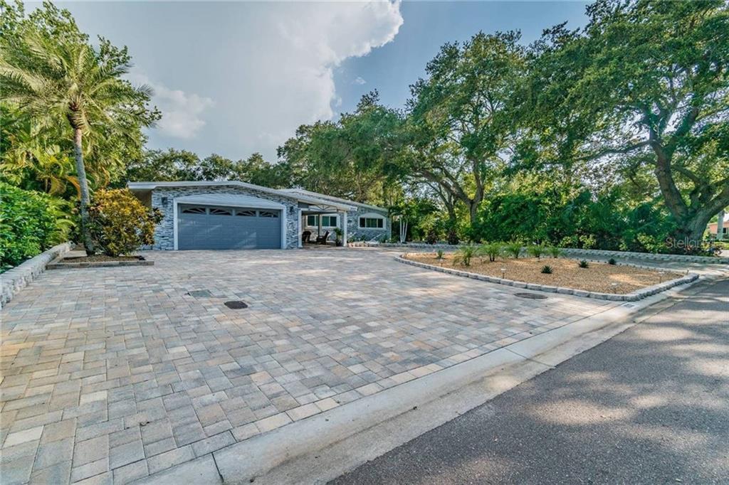 8262 30TH AVENUE N Property Photo - ST PETERSBURG, FL real estate listing