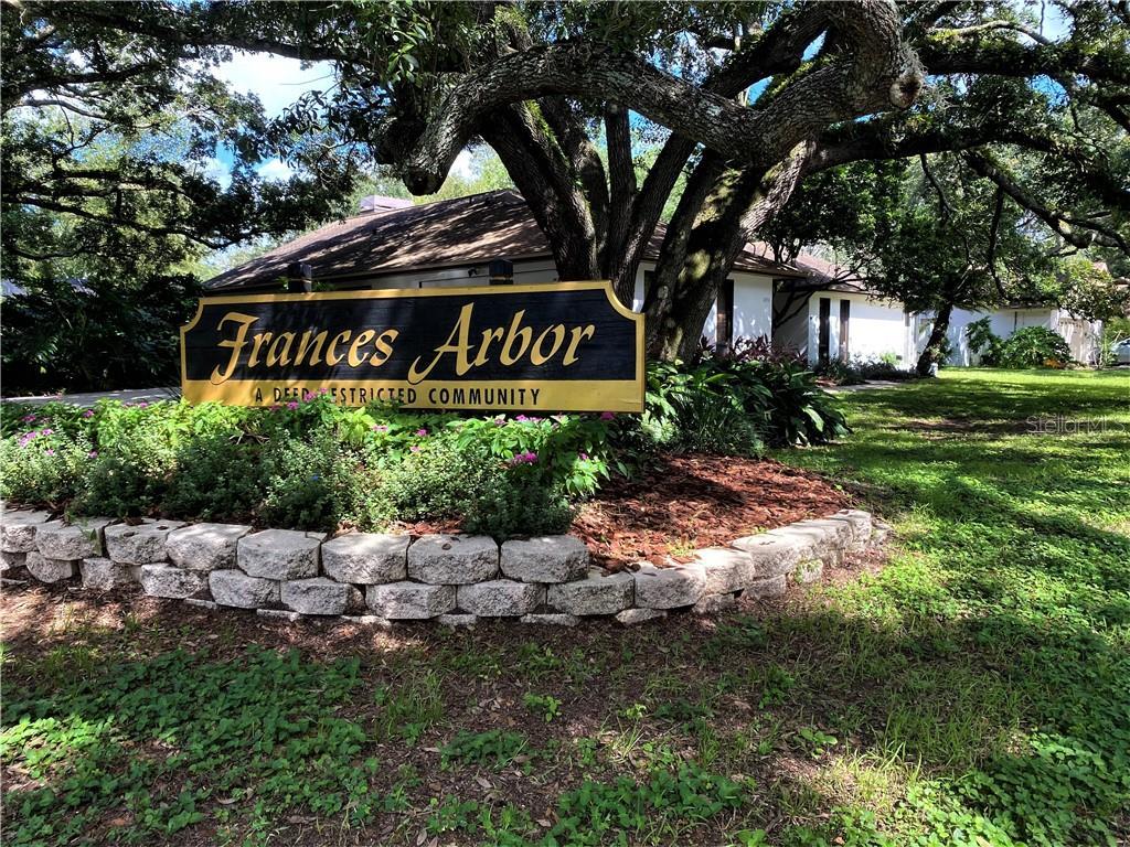 10916 GILLETTE AVENUE Property Photo - TEMPLE TERRACE, FL real estate listing