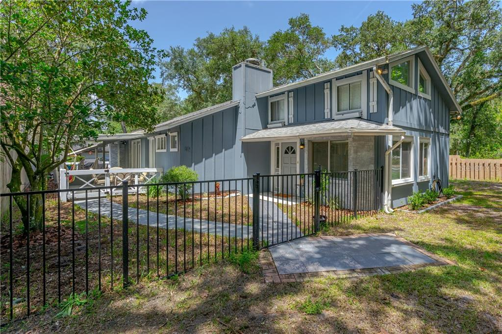 40 SNARESBROOK COURT Property Photo - ORMOND BEACH, FL real estate listing