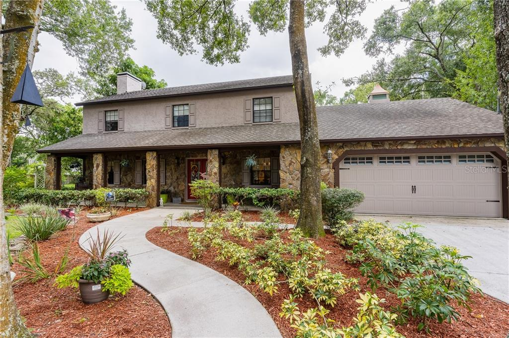 1512 W LE COMPTE DRIVE Property Photo - TAMPA, FL real estate listing