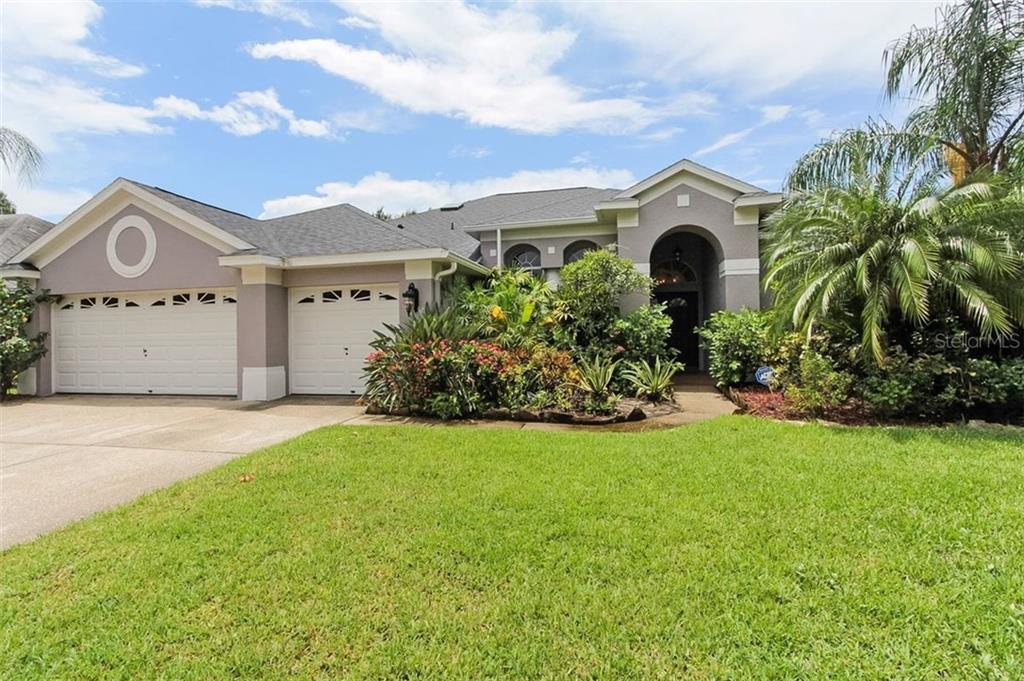 10732 AYRSHIRE DRIVE Property Photo - TAMPA, FL real estate listing