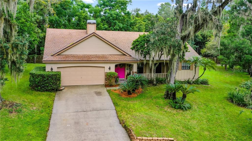 585 CHANNEL COURT Property Photo - PALM HARBOR, FL real estate listing