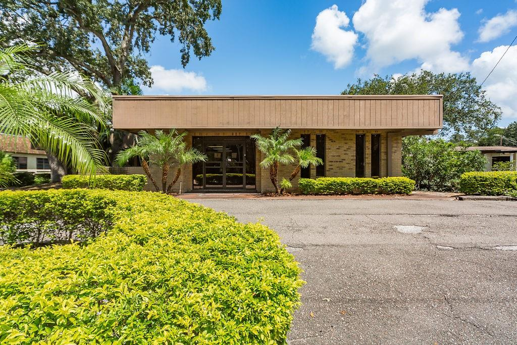 1216 OAKFIELD DR Property Photo - BRANDON, FL real estate listing