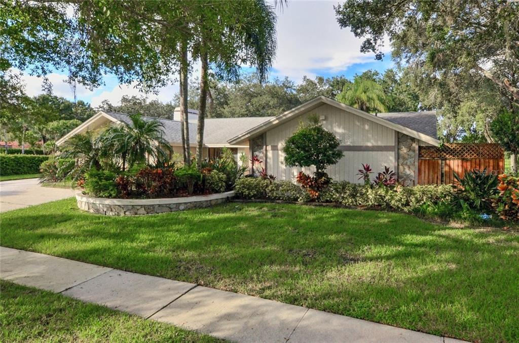 4323 SOUTHPARK DRIVE Property Photo - TAMPA, FL real estate listing