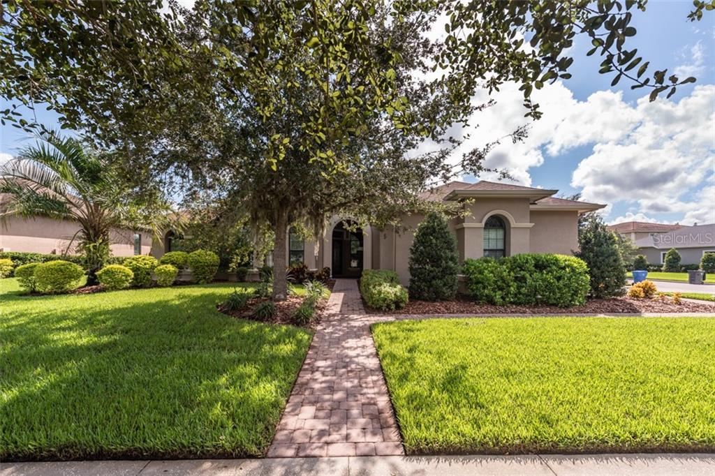 5910 ALANA LEIGH PLACE Property Photo - LITHIA, FL real estate listing