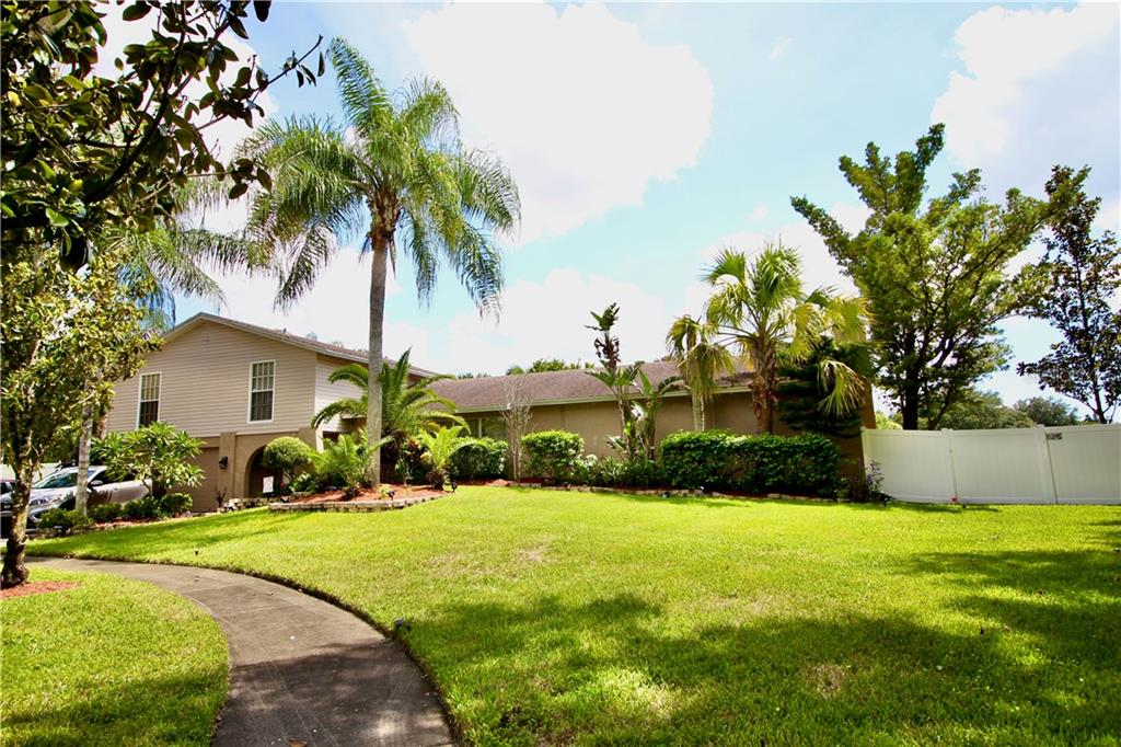6402 BROOK HOLLOW COURT Property Photo - TAMPA, FL real estate listing