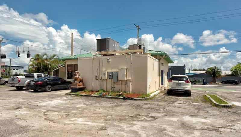 2502 W COLUMBUS DRIVE Property Photo