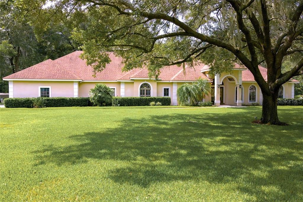 1009 CENTERBROOK DRIVE Property Photo - BRANDON, FL real estate listing