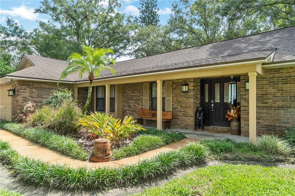 2503 RUSTIC OAKS DRIVE Property Photo - LUTZ, FL real estate listing