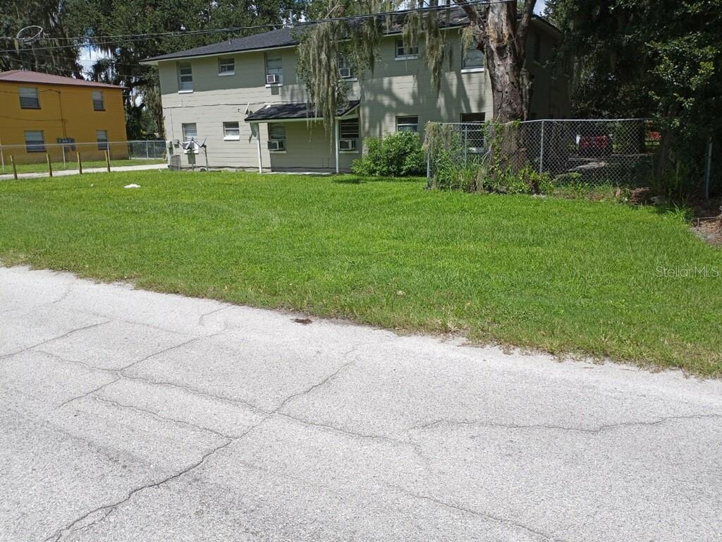 714 W WARREN STREET #B Property Photo