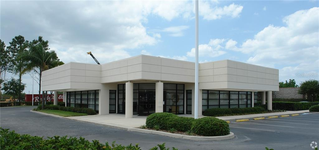 5401 W Waters Avenue Property Photo