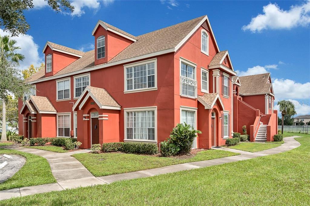 10552 WHITE LAKE COURT #10552 Property Photo - TAMPA, FL real estate listing