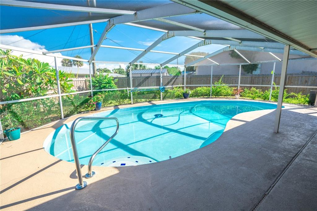 6353 FLAMINGO DRIVE Property Photo - APOLLO BEACH, FL real estate listing