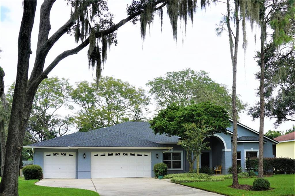 10304 SHALIMAR WOOD DRIVE Property Photo - THONOTOSASSA, FL real estate listing