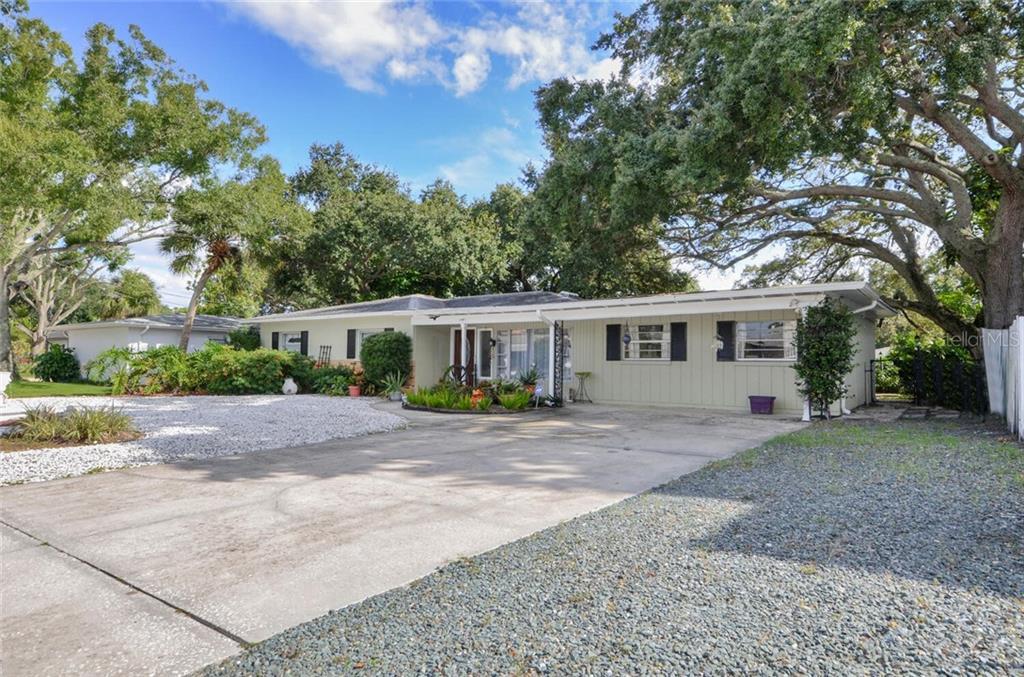 4922 W San Rafael Street Property Photo