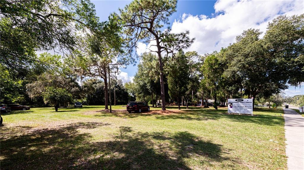205 W WINDHORST ROAD Property Photo - BRANDON, FL real estate listing