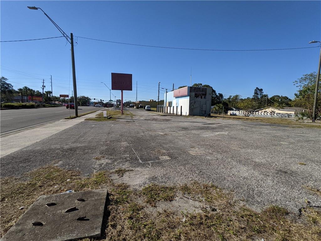 2702 E BUSCH BOULEVARD Property Photo - TAMPA, FL real estate listing