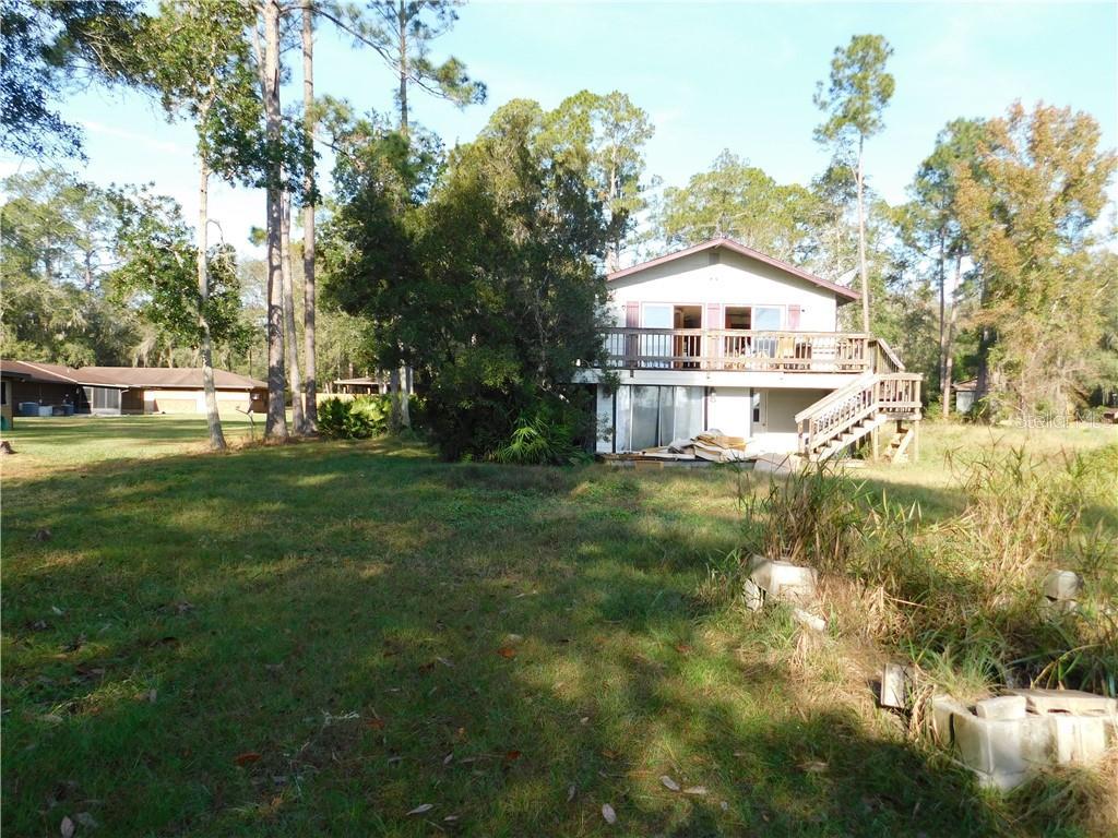 505 W HILLSBOROUGH AVENUE Property Photo - FLORAHOME, FL real estate listing