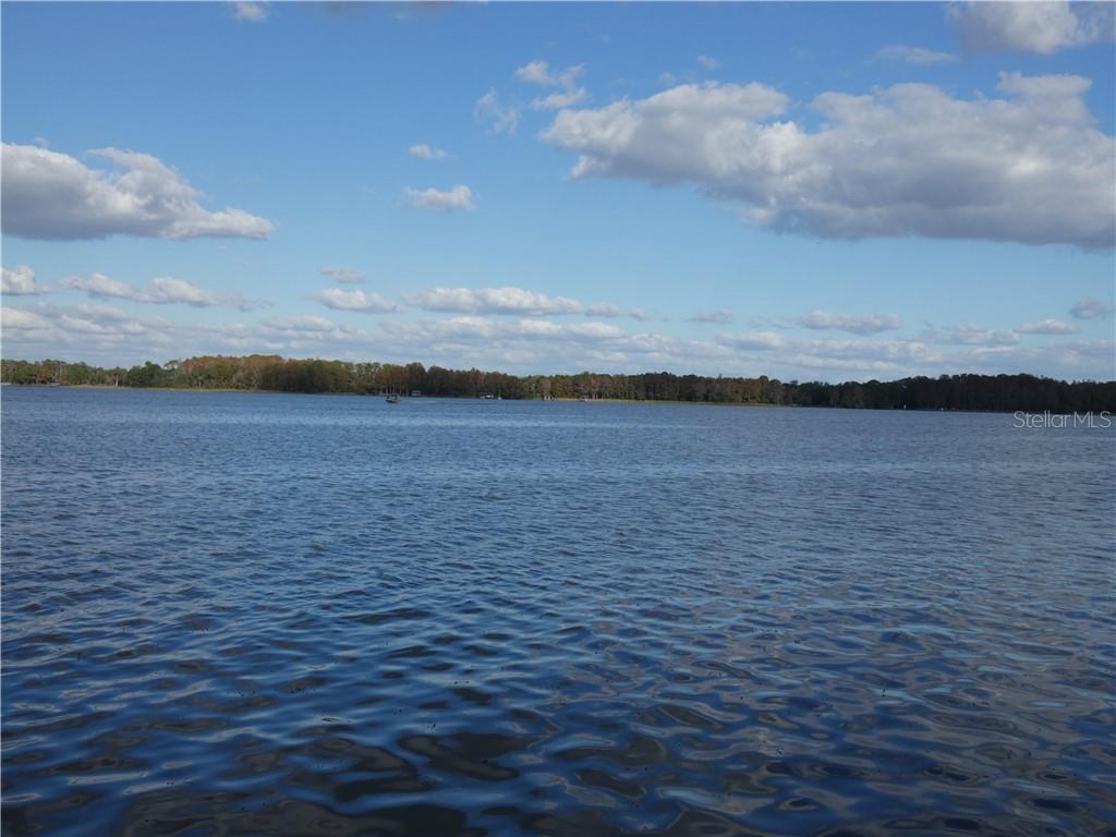 142 Lake Shore Drive N Property Photo