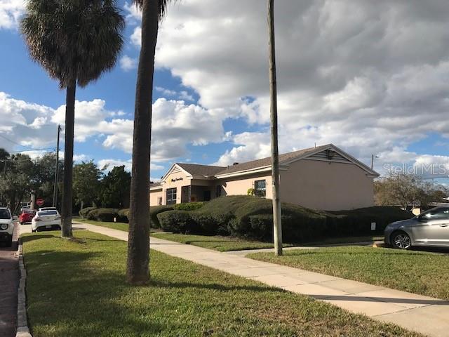 606 S Boulevard Property Photo