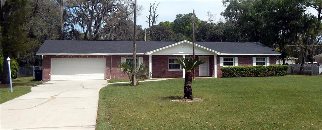 2211 Lithia Pinecrest Road Property Photo