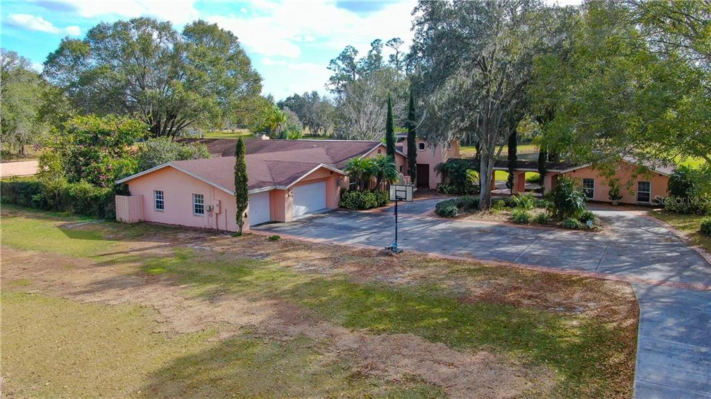 329 E COUNTY LINE ROAD Property Photo - LUTZ, FL real estate listing