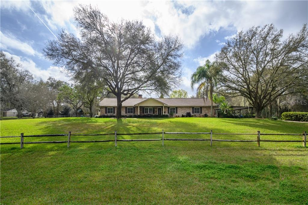 13525 N 301ST HIGHWAY Property Photo - THONOTOSASSA, FL real estate listing
