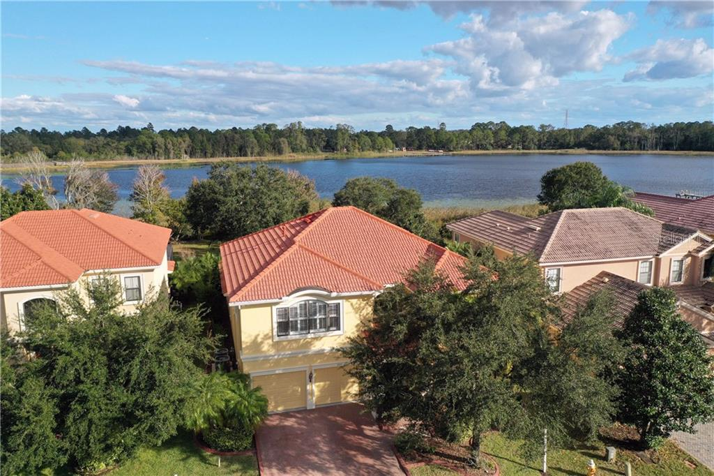 2715 LAKEBREEZE LANE S Property Photo - CLEARWATER, FL real estate listing