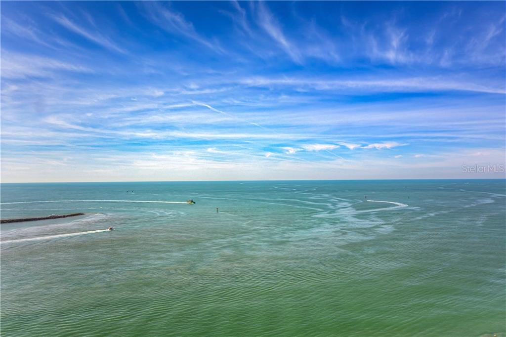 450 S Gulfview Boulevard #1702 Property Photo