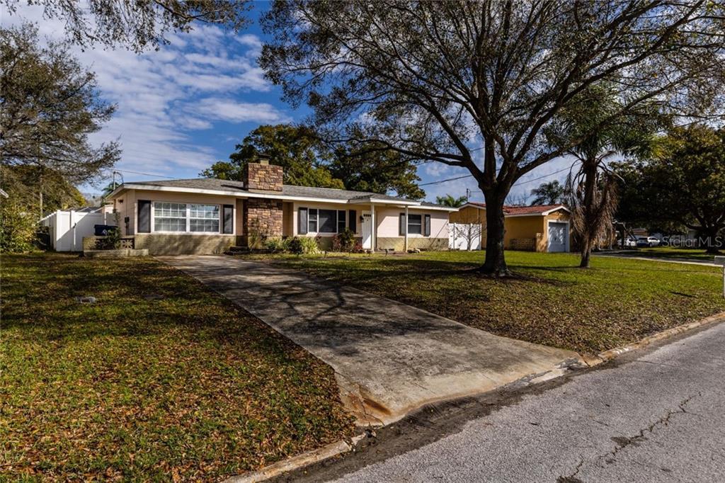 4723 LAKE CHARLES DRIVE N Property Photo - KENNETH CITY, FL real estate listing