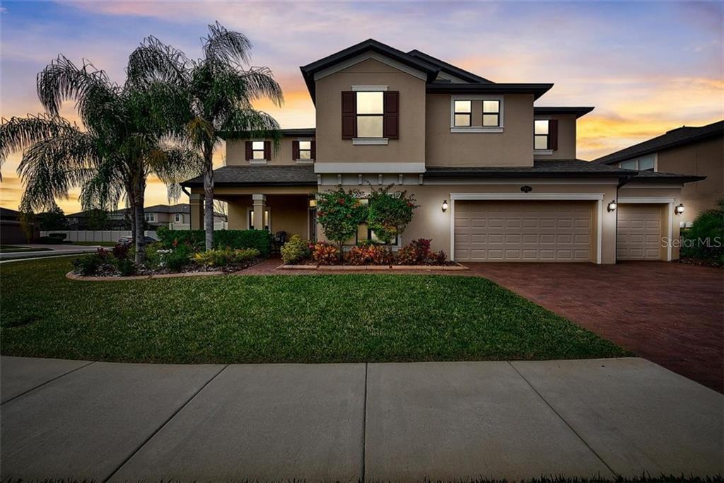 2091 ZAMIA LOOP Property Photo - LUTZ, FL real estate listing