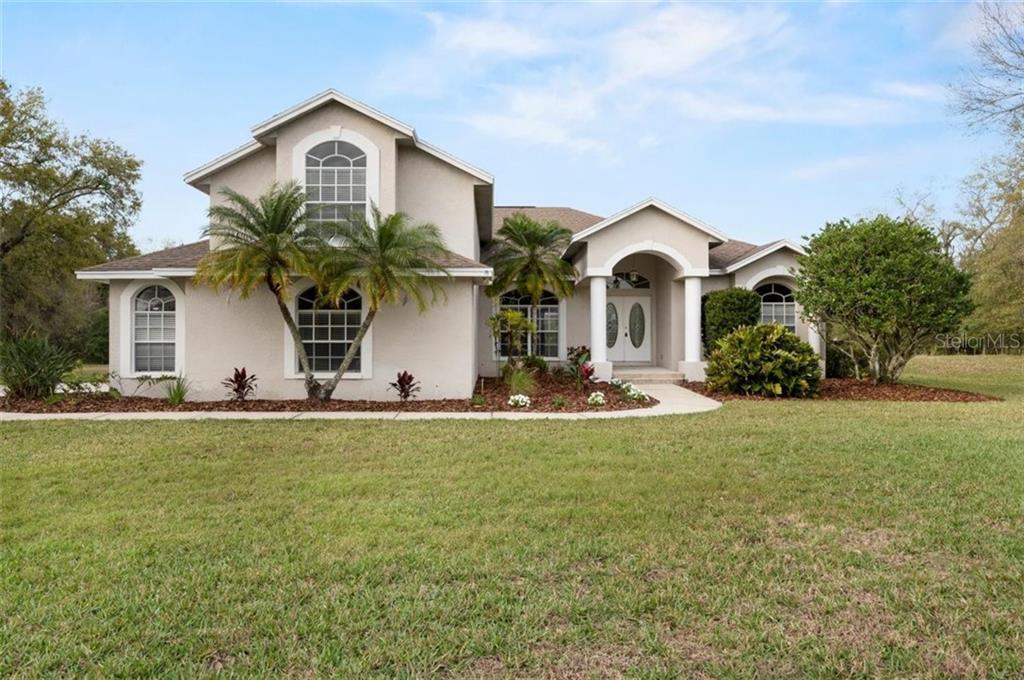 911 LAKE THOMAS LANE Property Photo - LUTZ, FL real estate listing