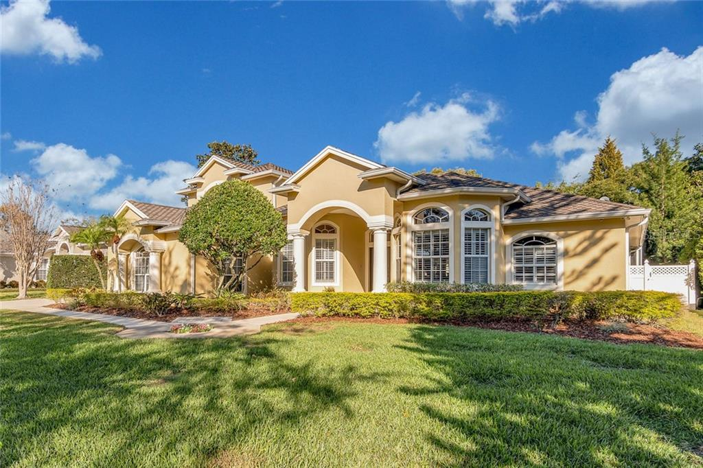 10405 CARROLL COVE PLACE Property Photo - TAMPA, FL real estate listing