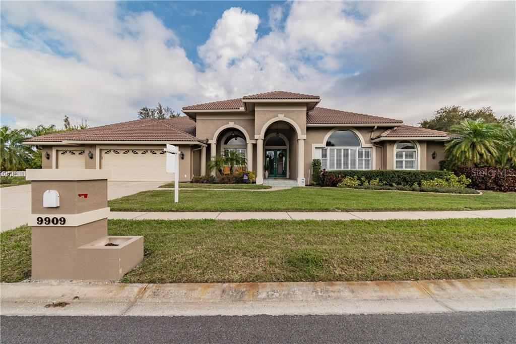 9909 CHRIS CRAFT COURT Property Photo - TAMPA, FL real estate listing