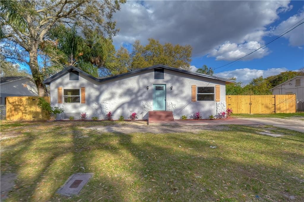 8715 N Dexter Avenue Property Photo