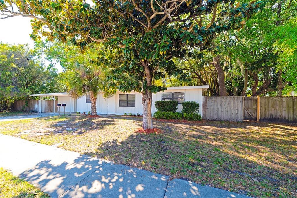 850 S School Avenue #2 Property Photo