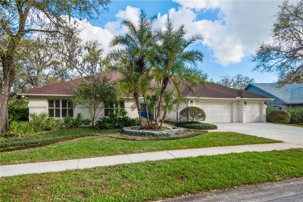 6823 BLUFFS BOULEVARD Property Photo - TEMPLE TERRACE, FL real estate listing