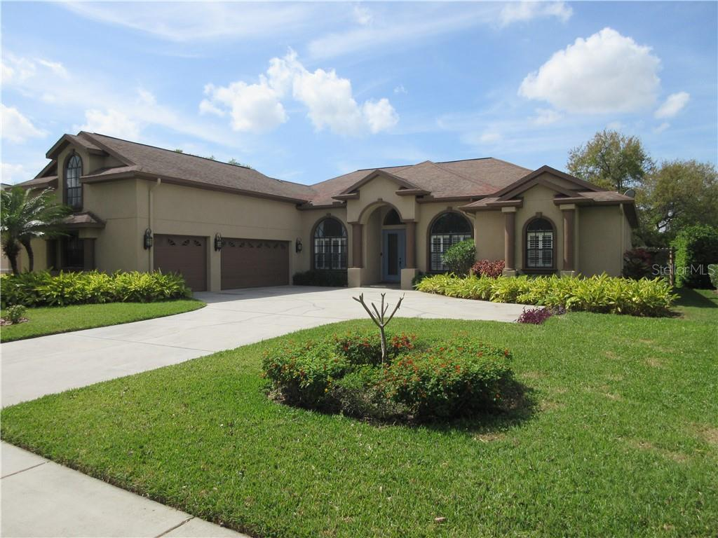 1212 CARRIAGE PARK DRIVE Property Photo - VALRICO, FL real estate listing