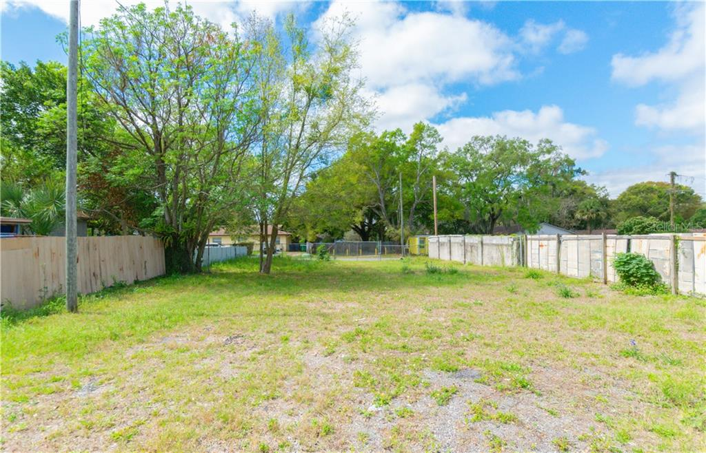 8505 N Brooks Street Property Photo